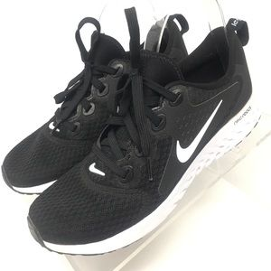 Nike Legend React Big Kid Running Shoe AH9438-001
